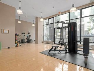 """Photo 7: 2205 977 MAINLAND Street in Vancouver: Yaletown Condo for sale in """"Yaletown Park 3"""" (Vancouver West)  : MLS®# R2480309"""