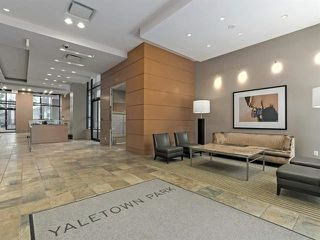 """Photo 5: 2205 977 MAINLAND Street in Vancouver: Yaletown Condo for sale in """"Yaletown Park 3"""" (Vancouver West)  : MLS®# R2480309"""