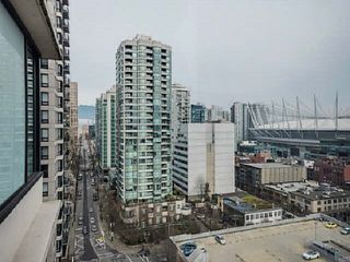 """Photo 4: 2205 977 MAINLAND Street in Vancouver: Yaletown Condo for sale in """"Yaletown Park 3"""" (Vancouver West)  : MLS®# R2480309"""