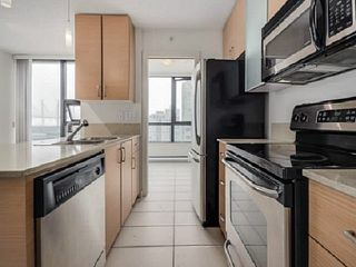 """Photo 8: 2205 977 MAINLAND Street in Vancouver: Yaletown Condo for sale in """"Yaletown Park 3"""" (Vancouver West)  : MLS®# R2480309"""