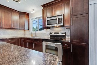 Photo 11: 532 ATHLONE Road SE in Calgary: Acadia Detached for sale : MLS®# A1018127