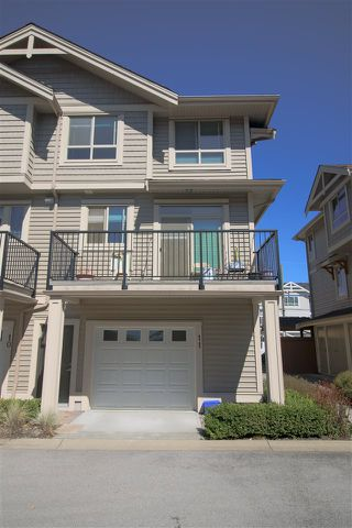 "Photo 4: 11 19752 55A Avenue in Langley: Langley City Townhouse for sale in ""Marquee"" : MLS®# R2492739"