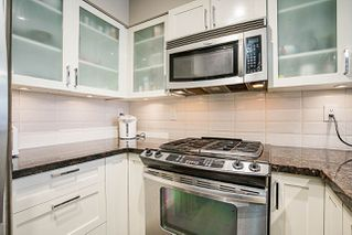 "Photo 6: 808 1 RENAISSANCE Square in New Westminster: Quay Condo for sale in ""THE 'Q'"" : MLS®# R2521364"