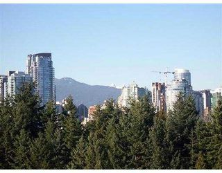 """Photo 2: 19 877 W 7TH AV in Vancouver: Fairview VW Townhouse for sale in """"EMERALD COURT"""" (Vancouver West)  : MLS®# V575221"""