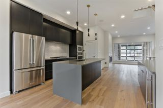 Photo 2: 9627 80 Avenue in Edmonton: Zone 17 House for sale : MLS®# E4165428