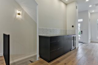 Photo 4: 9627 80 Avenue in Edmonton: Zone 17 House for sale : MLS®# E4165428