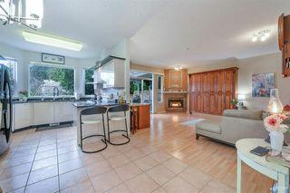 "Photo 3: 60 20881 87 Avenue in Langley: Walnut Grove Townhouse for sale in ""KEW GARDENS"" : MLS®# R2442958"