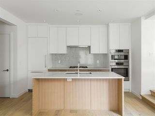 Photo 6: 2522 W 3RD Avenue in Vancouver: Kitsilano Townhouse for sale (Vancouver West)  : MLS®# R2447598