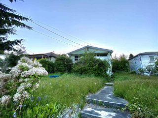 Photo 2: 517 MARINE Drive in Gibsons: Gibsons & Area House for sale (Sunshine Coast)  : MLS®# R2454802