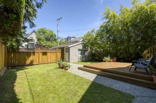 "Photo 18: 583 W 17TH Avenue in Vancouver: Cambie House for sale in ""Cambie Village"" (Vancouver West)  : MLS®# R2460136"