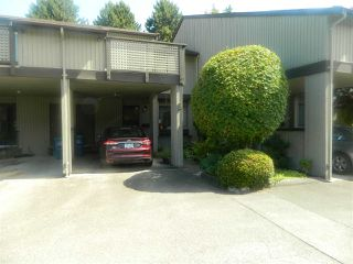 "Photo 2: 8 32917 AMICUS Place in Abbotsford: Central Abbotsford Townhouse for sale in ""Pine Grove Terrace"" : MLS®# R2467319"