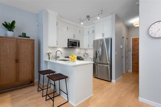 """Photo 5: 104 2688 VINE Street in Vancouver: Kitsilano Townhouse for sale in """"TREO"""" (Vancouver West)  : MLS®# R2474204"""