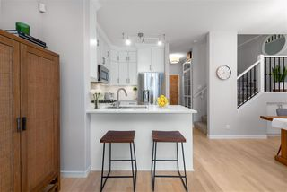 """Photo 6: 104 2688 VINE Street in Vancouver: Kitsilano Townhouse for sale in """"TREO"""" (Vancouver West)  : MLS®# R2474204"""