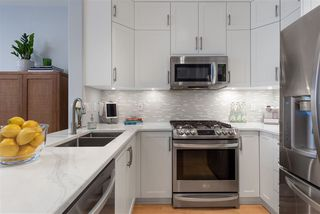 """Photo 7: 104 2688 VINE Street in Vancouver: Kitsilano Townhouse for sale in """"TREO"""" (Vancouver West)  : MLS®# R2474204"""