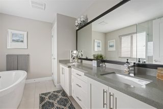 """Photo 13: 4304 STEPHEN LEACOCK Drive in Abbotsford: Abbotsford East House for sale in """"Auguston"""" : MLS®# R2483703"""