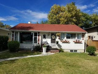 Photo 2: 1212 20 Avenue NW in Calgary: Capitol Hill Detached for sale : MLS®# A1036987