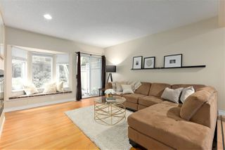 """Photo 2: 8865 FINCH Court in Burnaby: Forest Hills BN Townhouse for sale in """"PRIMROSE HILL"""" (Burnaby North)  : MLS®# R2388063"""