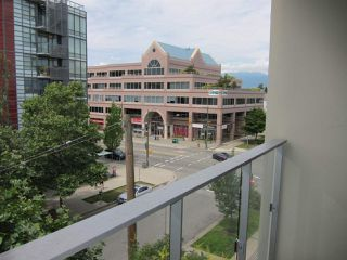 "Photo 14: 402 2528 MAPLE Street in Vancouver: Kitsilano Condo for sale in ""Pulse"" (Vancouver West)  : MLS®# R2397843"