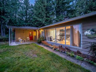Photo 17: 5375 THE TERRACE Avenue in West Vancouver: Caulfeild House for sale : MLS®# R2399075
