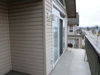 """Photo 6: 404 2772 CLEARBROOK Road in Abbotsford: Abbotsford West Condo for sale in """"Brook Hollow Estates"""" : MLS®# R2406502"""