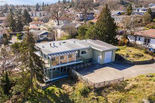 Photo 3: 1438 Finlayson Street in VICTORIA: Vi Mayfair Single Family Detached for sale (Victoria)  : MLS®# 416259