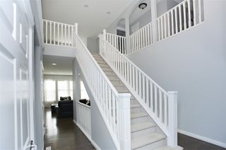 Photo 2: 807 HARDY Place in Edmonton: Zone 58 House for sale : MLS®# E4186294
