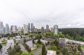 "Photo 1: 2705 5883 BARKER Avenue in Burnaby: Metrotown Condo for sale in ""ALDYNE ON THE PARK"" (Burnaby South)  : MLS®# R2453440"