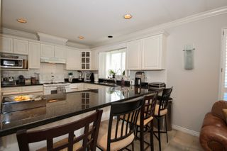 Photo 6: 380 55A Street in Delta: Pebble Hill House 1/2 Duplex for sale (Tsawwassen)  : MLS®# R2454776