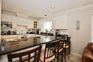 Photo 10: 380 55A Street in Delta: Pebble Hill House 1/2 Duplex for sale (Tsawwassen)  : MLS®# R2454776