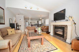 Photo 14: 380 55A Street in Delta: Pebble Hill House 1/2 Duplex for sale (Tsawwassen)  : MLS®# R2454776