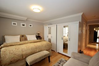 Photo 17: 380 55A Street in Delta: Pebble Hill House 1/2 Duplex for sale (Tsawwassen)  : MLS®# R2454776