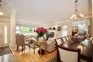 Photo 3: 380 55A Street in Delta: Pebble Hill House 1/2 Duplex for sale (Tsawwassen)  : MLS®# R2454776