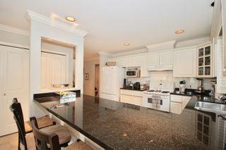 Photo 7: 380 55A Street in Delta: Pebble Hill House 1/2 Duplex for sale (Tsawwassen)  : MLS®# R2454776