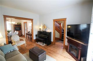Photo 3: 745 Warsaw Avenue in Winnipeg: Residential for sale (1B)  : MLS®# 202012998