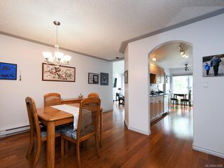 Photo 6: 205 9905 Fifth St in Sidney: Si Sidney North-East Condo Apartment for sale : MLS®# 843608