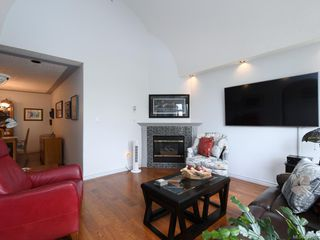 Photo 4: 205 9905 Fifth St in Sidney: Si Sidney North-East Condo Apartment for sale : MLS®# 843608