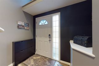 Photo 2: 1530 37B Avenue in Edmonton: Zone 30 House for sale : MLS®# E4221429