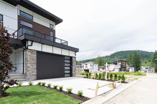 """Photo 22: 4715 CARL CREEK Lane in Abbotsford: Abbotsford East House for sale in """"Dianne Brook Development"""" : MLS®# R2522628"""