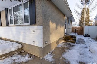 Photo 3: 231 McMaster Crescent in Saskatoon: East College Park Residential for sale : MLS®# SK838492