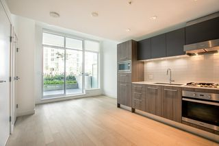 "Photo 3: 329 2220 KINGSWAY in Vancouver: Victoria VE Condo for sale in ""KENSINGTON GARDENS"" (Vancouver East)  : MLS®# R2388002"