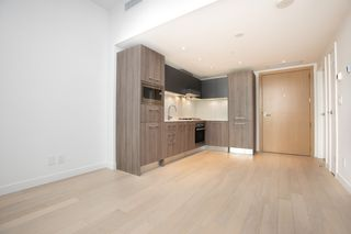 "Photo 2: 329 2220 KINGSWAY in Vancouver: Victoria VE Condo for sale in ""KENSINGTON GARDENS"" (Vancouver East)  : MLS®# R2388002"