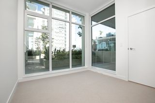 "Photo 7: 329 2220 KINGSWAY in Vancouver: Victoria VE Condo for sale in ""KENSINGTON GARDENS"" (Vancouver East)  : MLS®# R2388002"