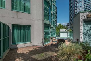 "Photo 12: 314 838 HAMILTON Street in Vancouver: Downtown VW Condo for sale in ""ROSEDALE ON ROBSON"" (Vancouver West)  : MLS®# R2391016"