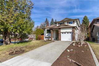 Photo 1: 2171 STIRLING Avenue in Port Coquitlam: Glenwood PQ House for sale : MLS®# R2447100