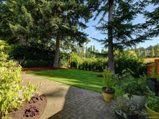 Photo 19: 561 Caselton Pl in : SW Royal Oak Single Family Detached for sale (Saanich West)  : MLS®# 845717