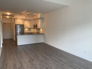"""Photo 9: 403 2436 KELLY Avenue in Port Coquitlam: Central Pt Coquitlam Condo for sale in """"LUMIERE"""" : MLS®# R2481447"""