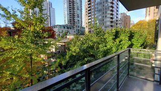 "Photo 2: 508 909 MAINLAND Street in Vancouver: Yaletown Condo for sale in ""YALETOWN PARK 2"" (Vancouver West)  : MLS®# R2515100"