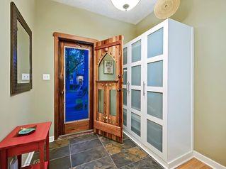 Photo 3: 509 10 Avenue NE in Calgary: Renfrew Detached for sale : MLS®# C4267699