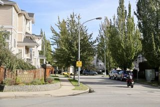"Photo 2: 39 22800 WINDSOR Court in Richmond: Hamilton RI Townhouse for sale in ""Parc Savannah"" : MLS®# R2408500"