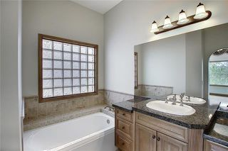 Photo 26: 43 ROCKYLEDGE Rise NW in Calgary: Rocky Ridge Detached for sale : MLS®# C4302946